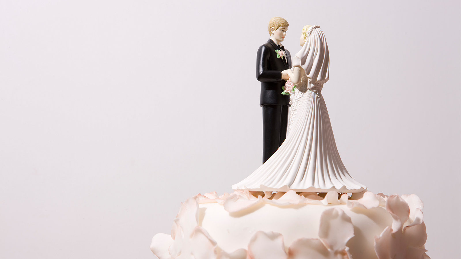 https://assets.slatergordon.com.au/images/Blog/_large2x/Blog-how-does-marriage-or-divorce-affect-my-will.jpg?mtime=20180709103731
